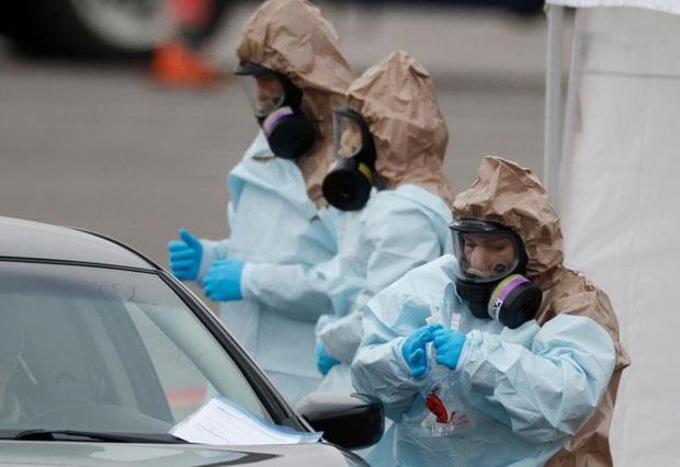 Mỹ có gần 4.500 ca nhiễm virus corona, Venezuela phong tỏa đất nước - Ảnh 1.