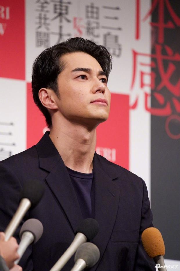 Ngoại tình với nàng thơ của Song Joong Ki, chồng trẻ cúi gập người xin lỗi vợ, lúng túng khi bị phóng viên hỏi xoáy - Ảnh 7.