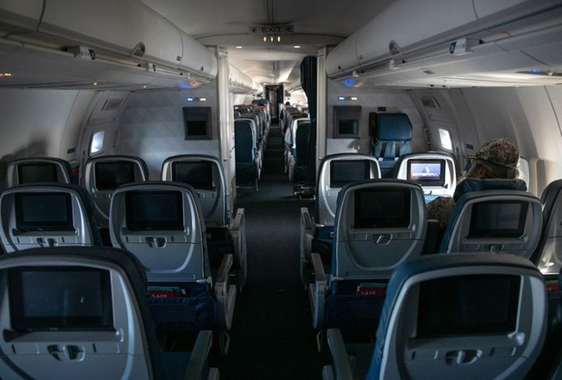 Bloomberg: COVID-19 có thể khiến hầu hết các hãng hàng không toàn cầu phá sản vào cuối tháng 5 - Ảnh 2.