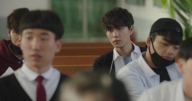 """Phũ """"hotboy"""" theo đuổi 10 năm, Park Min Young lên đồ lồng lộn tỏ tình """"trai quê"""" Seo Kang Joon ở tập 6 Trời Đẹp Em Sẽ Đến - Ảnh 4."""