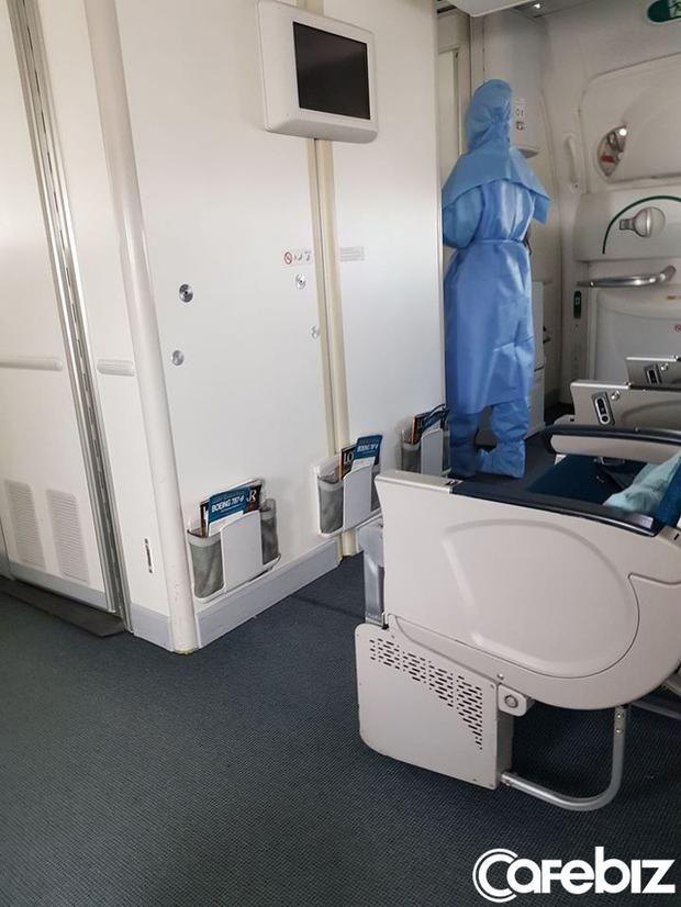 Câu chuyện của hành khách trên chuyến bay cuối cùng rời khỏi châu Âu: Điều quan trọng nhất không phải là bị nhiễm Covid-19 hay không, mà là có về được Việt Nam hay không! - Ảnh 3.
