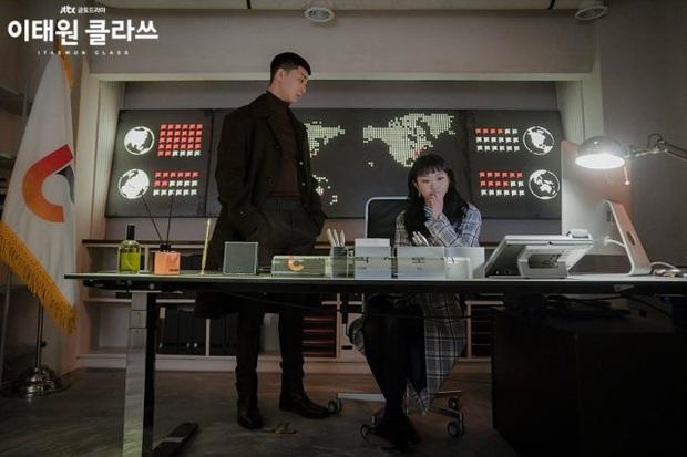 """Qua rồi thời Mary Sue phải là thánh nữ, Park Sae Ro Yi của Tầng Lớp Itaewon xứng danh """"Mary Sue thế hệ mới"""" - Ảnh 7."""