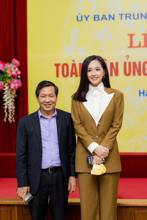 Hoa hậu Mai Phương Thuý gặp Thủ tướng Chính phủ, đại diện ủng hộ 20 tỷ đồng phòng chống đại dịch Covid-19 - Ảnh 7.