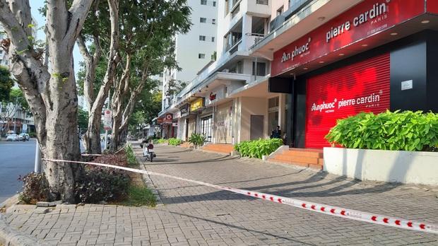 TP.HCM: Phong tỏa, cách ly toàn bộ chung cư cao cấp ở Phú Mỹ Hưng sau ca nhiễm Covid-19 số 66 - Ảnh 13.