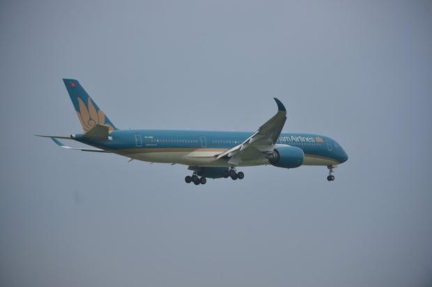 Vietnam Airlines tạm dừng khai thác các đường bay giữa Việt Nam và Nga, Đài Loan (Trung Quốc) - Ảnh 1.