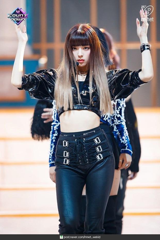 Mỹ nhân 17 tuổi ITZY gây bão xứ Hàn với mái tóc mới: Quả nhiên là visual nữ thần mới của JYP, hậu duệ của Suzy! - Ảnh 5.