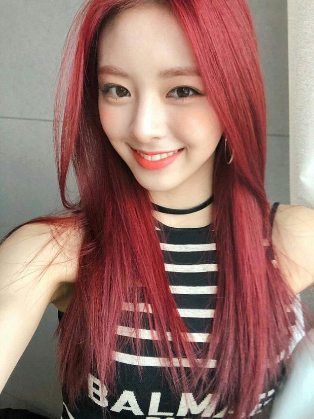 Mỹ nhân 17 tuổi ITZY gây bão xứ Hàn với mái tóc mới: Quả nhiên là visual nữ thần mới của JYP, hậu duệ của Suzy! - Ảnh 6.