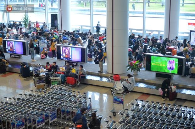 Phạt hành chính 10 triệu đồng du học sinh trốn cách ly ra sân bay Nội Bài định sang Anh - Ảnh 1.