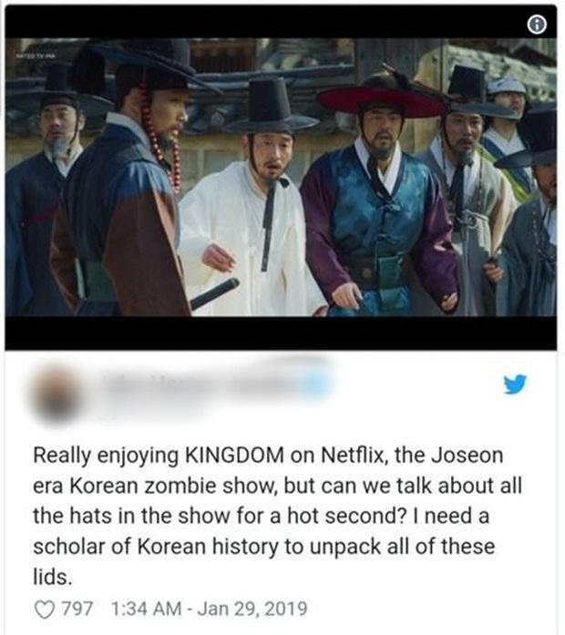Khán giả phát cuồng vì cái mũ đỏm dáng trong KINGDOM: Cho mị xin link shop nào bán đi! - Ảnh 4.