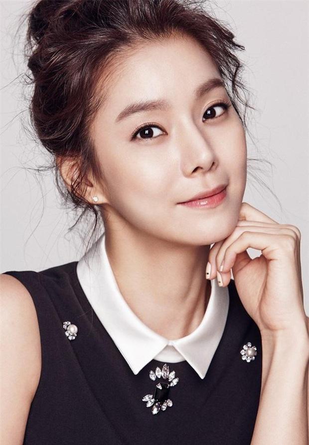 4 nam thần sát gái khét tiếng Kbiz: 2 cô bé tiểu học đánh nhau vì Lee Min Ho, Hyun Bin - GD có cả list bạn gái quyền lực - Ảnh 14.
