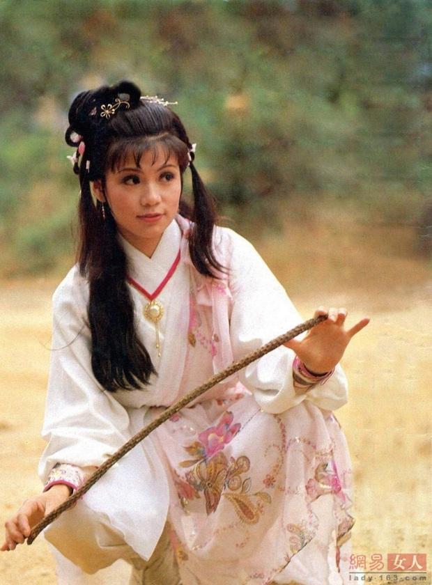 5 phim xuất sắc nhất chuyển thể từ tiểu thuyết Kim Dung: Không thể thiếu tác phẩm đưa Lưu Diệc Phi trở thành thần tiên tỷ tỷ - Ảnh 2.