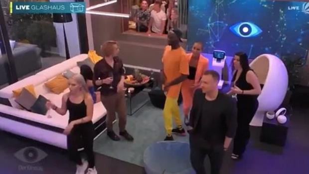 Dàn cast Big Brother phiên bản Đức bị NSX ngăn chặn thông tin, không hay biết về đại dịch Covid-19 toàn cầu - Ảnh 1.