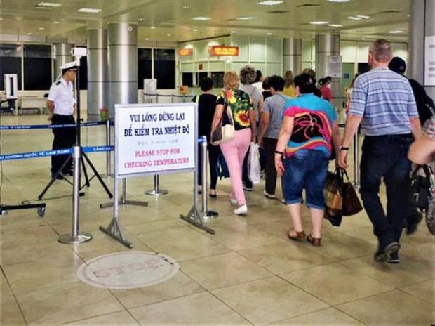 Đại diện sân bay Nội Bài lên tiếng về vụ việc nhóm hành khách gây ồn ào, đòi tự cách ly - Ảnh 2.