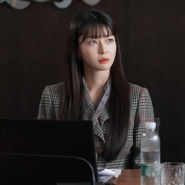 """Ngất ngây trước loạt ảnh hậu trường của nữ phụ hot nhất Itaewon Class Kwon Nara: Xinh thế này bảo sao Lee Jong Suk lại """"đổ"""" - Ảnh 6."""
