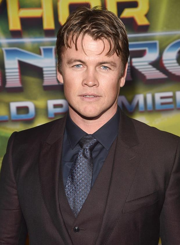 Ham hố cameo sương sương ở Thor 3 bên Chris Hemsworth, anh em nhà Hemsworth lại khiến ai nấy ghen tị với bộ gene đẹp đỉnh cao - Ảnh 4.