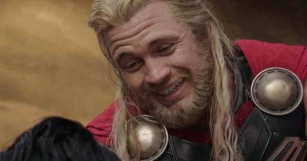 Ham hố cameo sương sương ở Thor 3 bên Chris Hemsworth, anh em nhà Hemsworth lại khiến ai nấy ghen tị với bộ gene đẹp đỉnh cao - Ảnh 2.