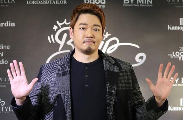 Sự nghiệp cố nam diễn viên Moon Ji Yoon: Gần hai thập kỉ chưa một lần vai chính, quen mặt khán giả Việt nhờ Cheese In The Trap - Ảnh 1.