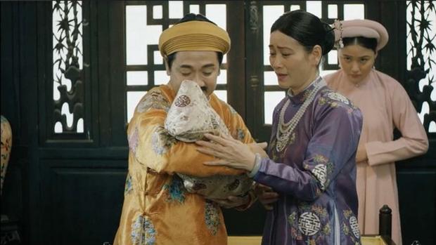 Em gái Trấn Thành vừa xuất hiện liền ăn đòn 30 hèo ở Phượng Khấu, thương ghê đóng phim nào cũng bị đánh - Ảnh 2.
