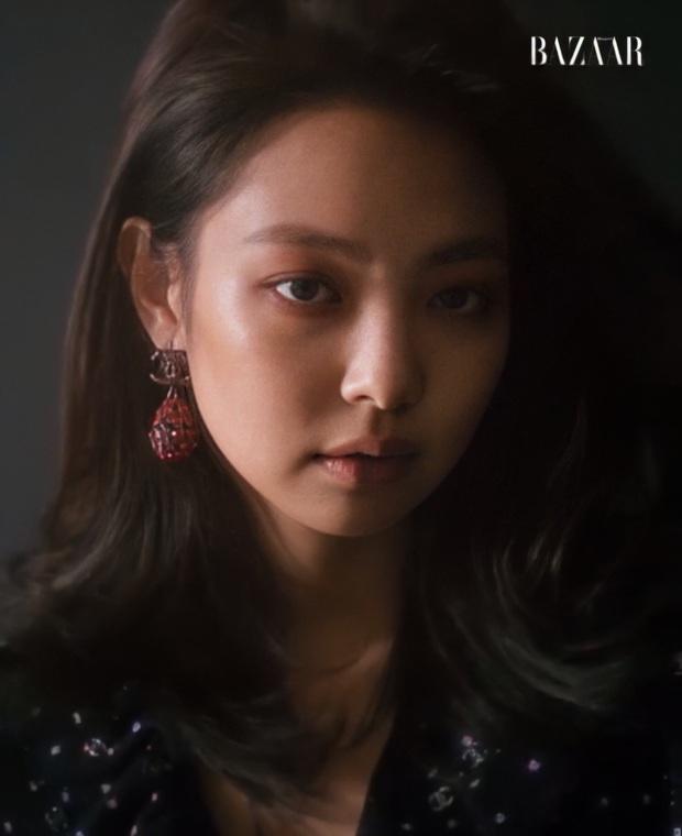 Jennie bất ngờ hắc hóa, thử kiểu makeup dìm nhan sắc tơi tả nhưng lạ thay vẫn được khen tới tấp - Ảnh 3.