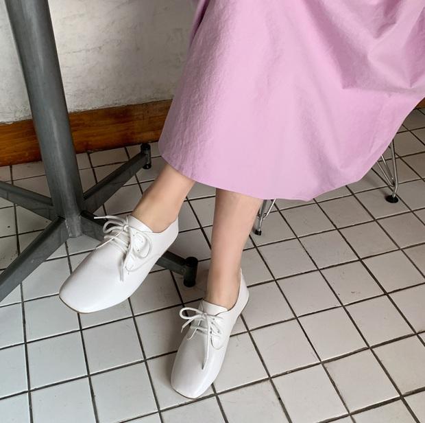 Nhờ Kwon Nara chăm đi giày bệt trong Itaewon Class, chị em sẽ nhận ra những mẫu giày công sở tuyệt xinh mà chẳng sợ đau chân - Ảnh 11.