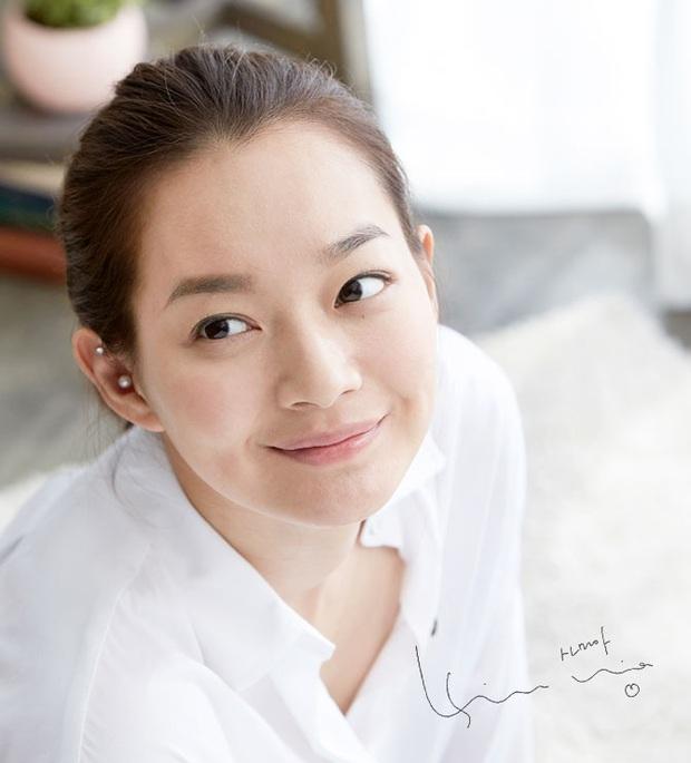 Loạt chị đại Kbiz không ngại đu mốt xỏ nhiều khuyên, ngạc nhiên nhất là hai ngọc nữ Song Hye Kyo và Son Ye Jin - Ảnh 11.