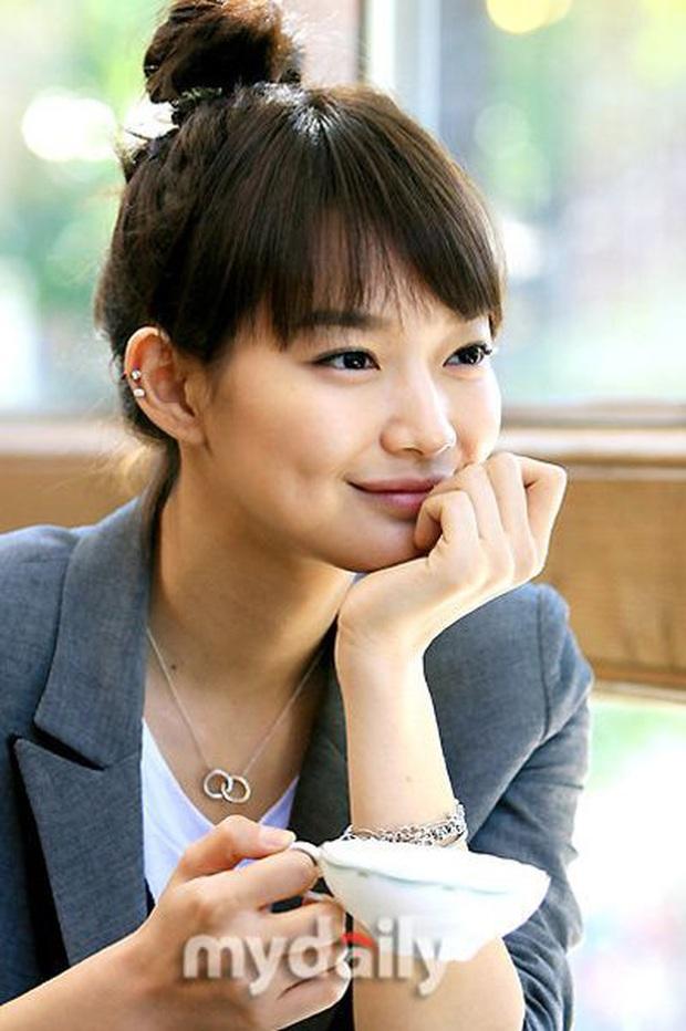 Loạt chị đại Kbiz không ngại đu mốt xỏ nhiều khuyên, ngạc nhiên nhất là hai ngọc nữ Song Hye Kyo và Son Ye Jin - Ảnh 14.