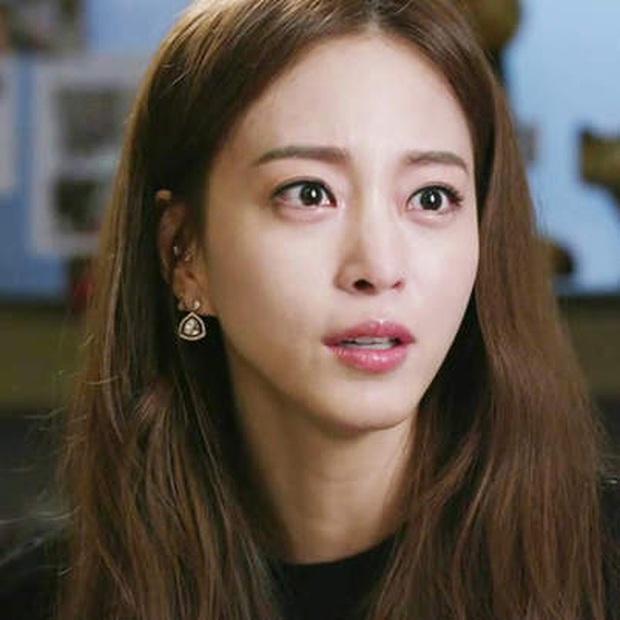 Loạt chị đại Kbiz không ngại đu mốt xỏ nhiều khuyên, ngạc nhiên nhất là hai ngọc nữ Song Hye Kyo và Son Ye Jin - Ảnh 15.