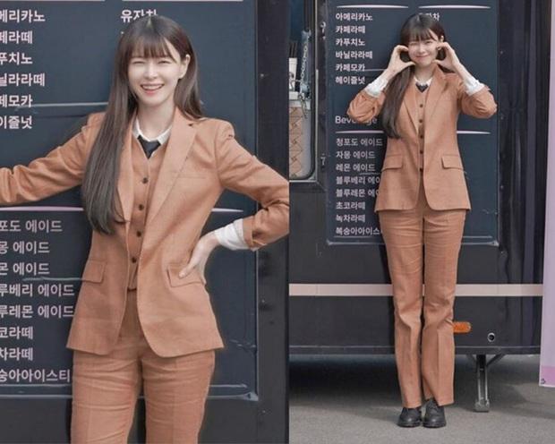 Nhờ Kwon Nara chăm đi giày bệt trong Itaewon Class, chị em sẽ nhận ra những mẫu giày công sở tuyệt xinh mà chẳng sợ đau chân - Ảnh 8.