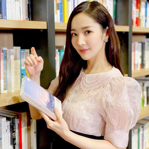 Loạt chị đại Kbiz không ngại đu mốt xỏ nhiều khuyên, ngạc nhiên nhất là hai ngọc nữ Song Hye Kyo và Son Ye Jin - Ảnh 10.