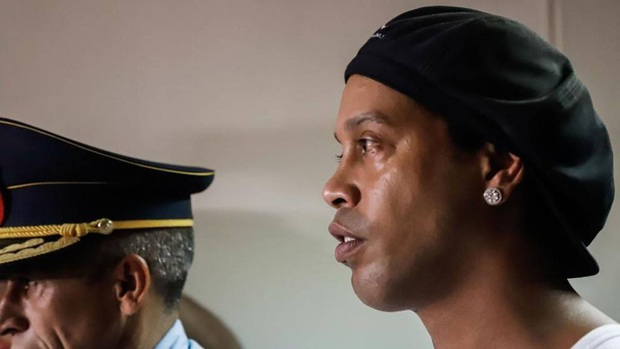 Tiết lộ mới về cuộc sống trong tù của Ronaldinho: Chẳng thấy thiếu thứ gì nhưng vẫn buồn và tức giận - Ảnh 1.