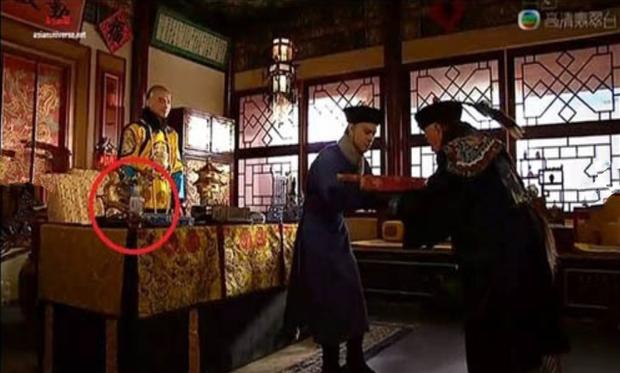 9 hạt sạn nhìn muốn té ngửa của phim TVB: Ghim nhất là màn xe tải xuất hiện ở thời cổ đại, coi tức không? - Ảnh 6.