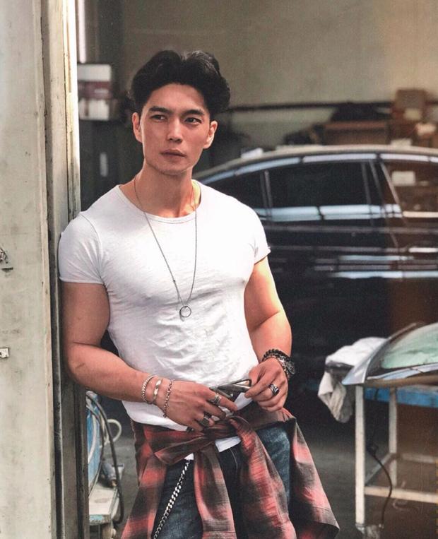 Soi chi tiết hé lộ bạn trai giấu mặt Hương Giang vừa công khai: Hình như chính là Huy Trần Người ấy là ai? - Ảnh 7.