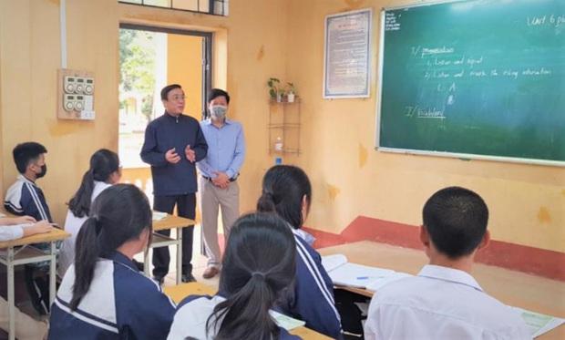 Ngày đầu học sinh trở lại ngôi trường từng có người nhiễm Covid-19 ở Vĩnh Phúc - Ảnh 1.