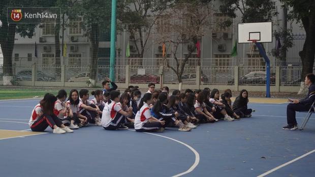 Sinh viên trở lại trường sau kỳ nghỉ Tết dài nhất lịch sử: Được đi học rồi vui quá, ở nhà chán lắm! - Ảnh 16.