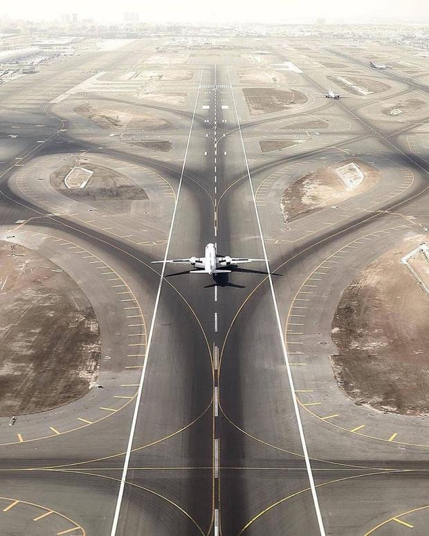 """Loạt ảnh chụp từ trên cao chứng minh Dubai là """"vùng đất đến từ hành tinh khác"""", thật hiếm nơi nào trên thế giới sánh bằng - Ảnh 18."""