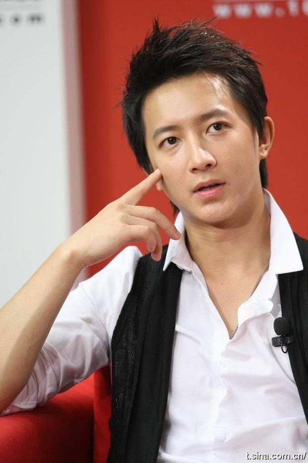 """Ồn ào idol Kpop rời công ty quản lý: """"Gà"""" SM chiếm quá nửa với những cáo buộc động trời, HyunA và bạn trai gây sốc vì bị đuổi thẳng do hẹn hò - Ảnh 5."""