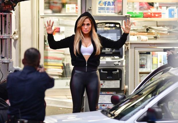 Jennifer Lopez thất vọng vì không được đề cử Oscar cho vai diễn vũ công thoát y trong Hustlers - Ảnh 3.