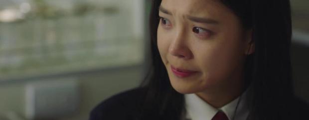 Trời Đẹp Em Sẽ Đến tập 3: Bị cả trường bêu rếu, Park Min Young thời trẻ nghé khô máu đấu tay ba với kẻ bắt nạt - Ảnh 5.