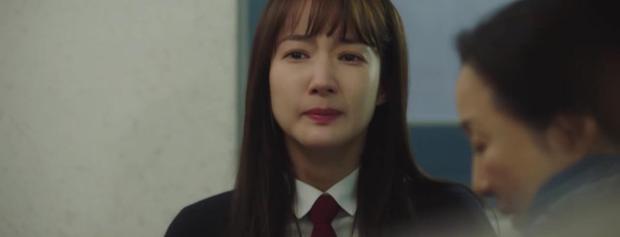 Trời Đẹp Em Sẽ Đến tập 3: Bị cả trường bêu rếu, Park Min Young thời trẻ nghé khô máu đấu tay ba với kẻ bắt nạt - Ảnh 7.