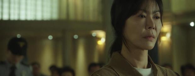Trời Đẹp Em Sẽ Đến tập 3: Bị cả trường bêu rếu, Park Min Young thời trẻ nghé khô máu đấu tay ba với kẻ bắt nạt - Ảnh 3.