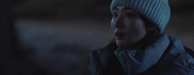 Trời Đẹp Em Sẽ Đến tập 3: Bị cả trường bêu rếu, Park Min Young thời trẻ nghé khô máu đấu tay ba với kẻ bắt nạt - Ảnh 12.