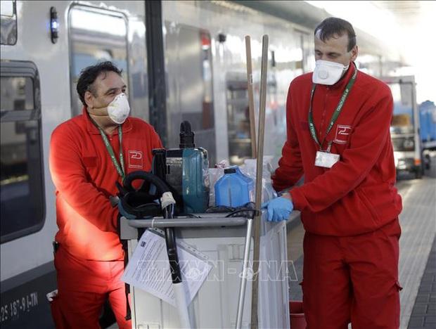 Một quan chức ở điểm nóng dịch COVID-19 tại Italy dương tính với virus SARS-CoV-2 - Ảnh 1.