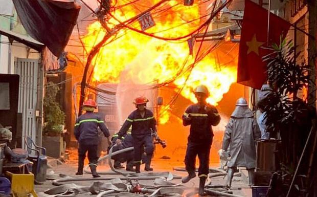 Điều tra vụ cháy nhà lúc rạng sáng làm nữ sinh quê Nam Định tử vong thương tâm - Ảnh 1.