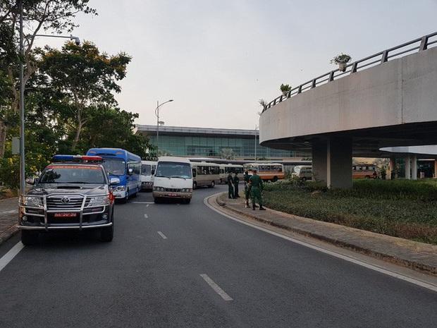 Cận cảnh 3 chuyến bay chở hơn 600 hành khách từ Hàn Quốc hạ cánh sân bay Cần Thơ  - Ảnh 14.