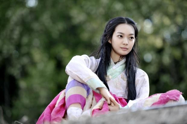 4 ma nữ xinh như mộng của màn ảnh Hàn: Bá đạo nhất vẫn là mẹ ma Kim Tae Hee - Ảnh 17.