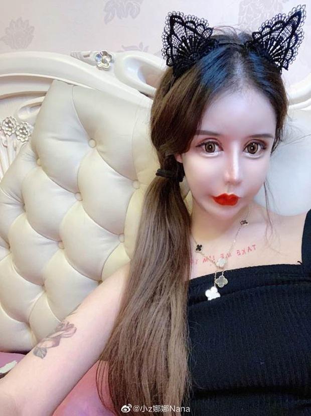 Nghiện phẫu thuật thẩm mỹ từ năm 13 tuổi, thiếu nữ khiến cộng đồng mạng tá hỏa khi công khai những bức ảnh xinh đẹp nhất của mình - Ảnh 7.