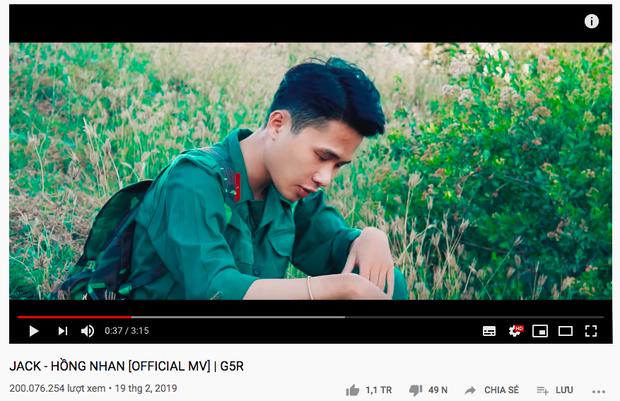 Với việc Hồng Nhan cán mốc 200 triệu view sau 1 năm ra mắt, Jack vượt Sơn Tùng M-TP trở thành nghệ sĩ Vpop đầu tiên sở hữu 3 MV đạt thành tích này - Ảnh 2.