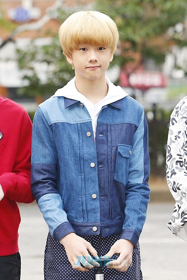 """Tuổi debut của loạt em út trong các boygroup đình đám gây sốc: Thành viên nhóm nhạc """"đông dân"""" phá kỉ lục của SM, Jungkook (BTS) đúng chuẩn em chưa 18 - Ảnh 17."""