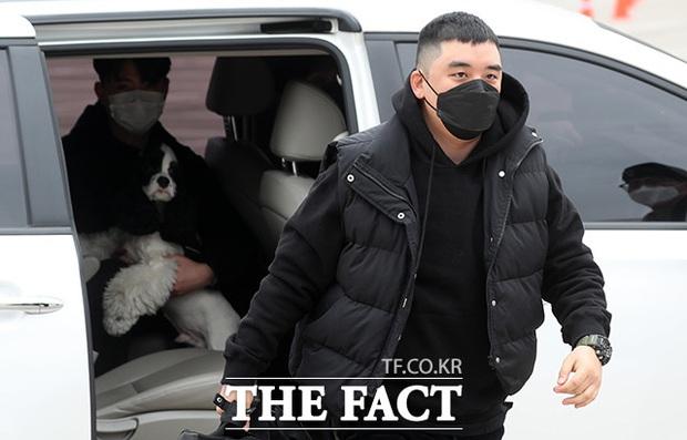 Bạn gái bí mật bị nghi xuất hiện trong clip nhập ngũ của Seungri: Chính là bạn thân sexy của Jisoo (BLACKPINK) ngày nào? - Ảnh 3.