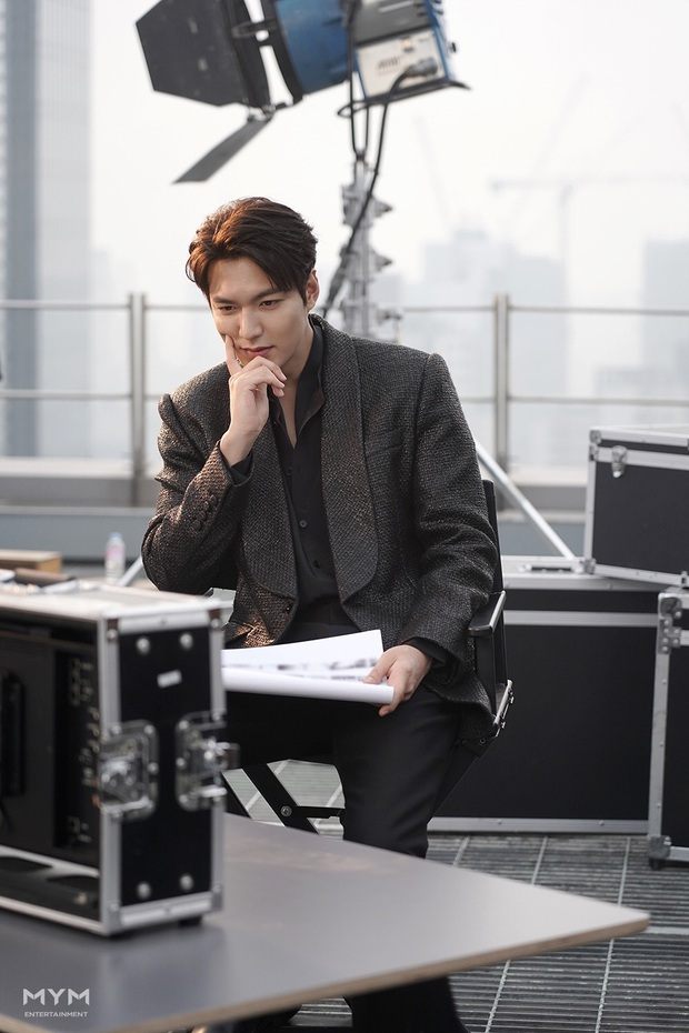 Quân vương bất diệt chưa lên sóng, Lee Min Ho đã khiến dân tình đảo điên với loạt ảnh hậu trường như tạp chí - Ảnh 9.